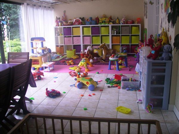 salle de jeux. Black Bedroom Furniture Sets. Home Design Ideas